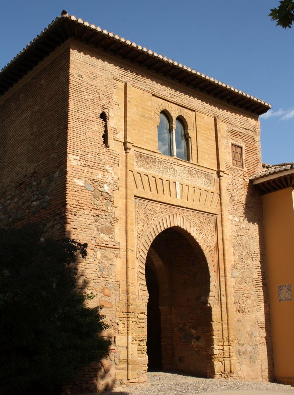 Die Puerta del Vino - von der schlichten Seite aus fotografiert.