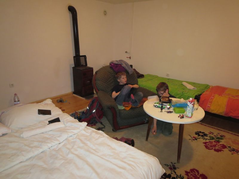 Wer sich privat ein Zimmer nimmt, kann einen einfachen Standard ohne stilistisches Brimborium erwarten (hier in Vrsac, Serbien).