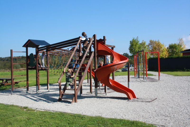 Normal halt: Ein Spielplatz in einem Zagreber Vorort.