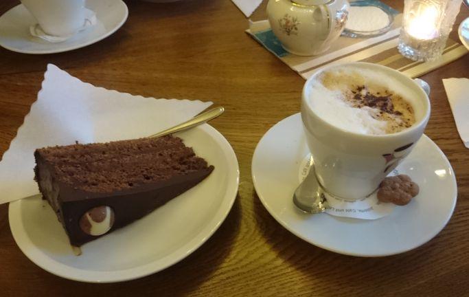 Was wäre ein Familienausflug ohne Cappuccino?