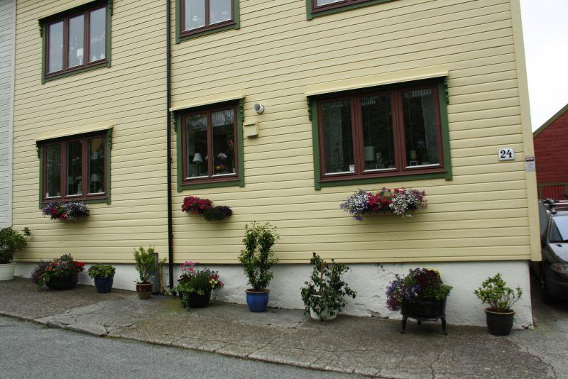 kreuzfahrt norwegen alesund holzhaus. Black Bedroom Furniture Sets. Home Design Ideas