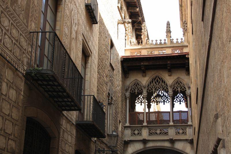 Die meisten Gebäude im Barri Gotic stammen aus der Renaissance-Zeit.