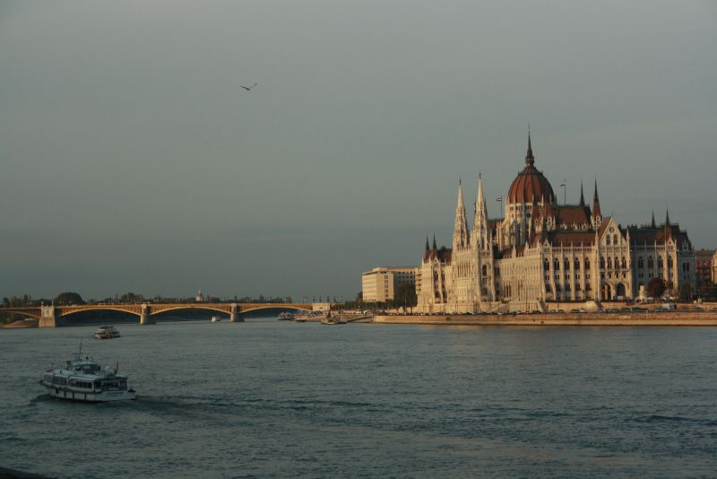 Parlament Budapest an der Donau.