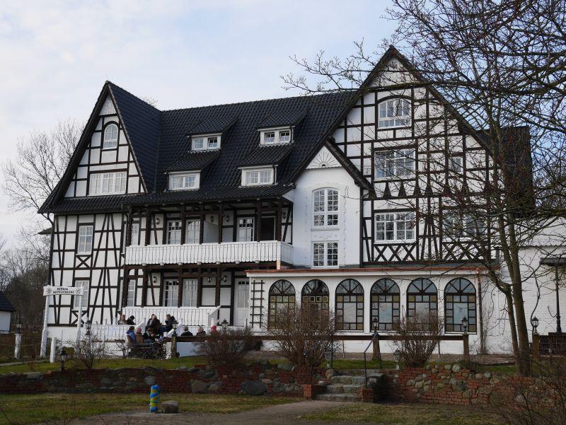 Das Hotel Hitthim ist ein stattliches Fachwerkhaus.