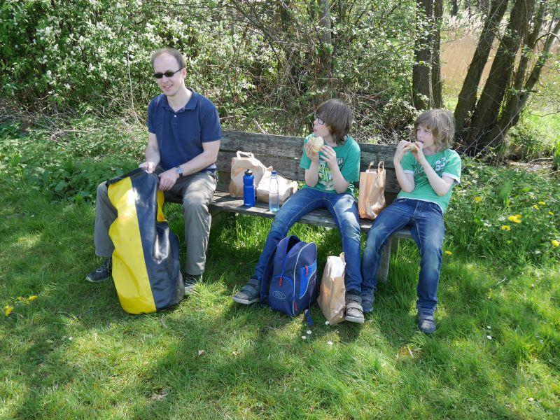 Picknick mit Lunchpaket der Jugendherberge.