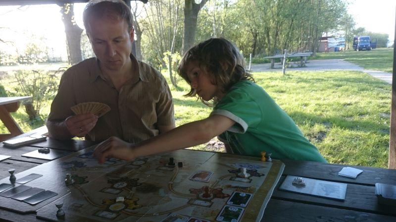Gesellschaftsspiel in der Jugendherberge Bad Zwischenahn