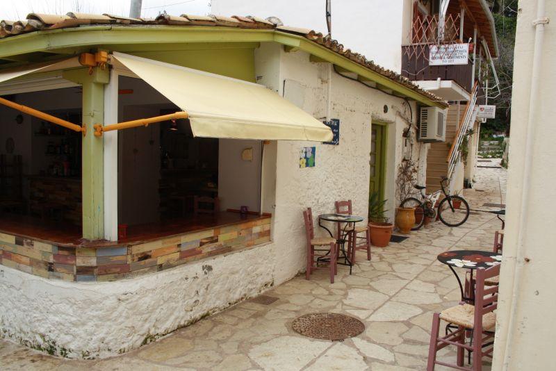 Bar in Agios Nikitas, Lefkada, Griechenland.