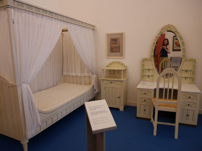 Mädchenzimmer im Jugendstil von 1911 im Museum für Kunst- und Kulturgeschichte im Oldenburger Schloss.