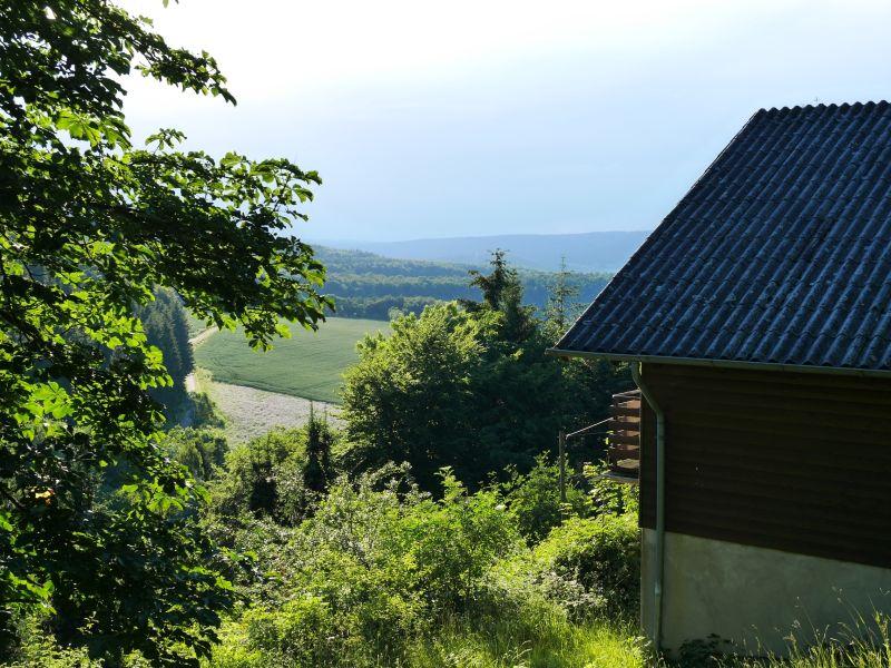 Unser Ferienhäuschen mit Aussicht ins Weserbergland.