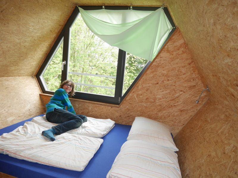 Jugendherberge Beckerwitz, Schlafen im Baumhaus mit Doppelbett