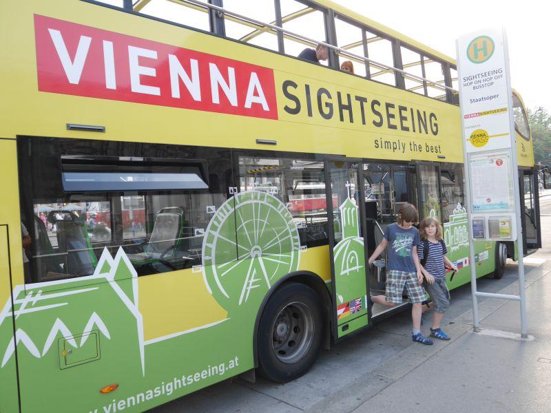 Hop on hop Off Wien mit Kindern