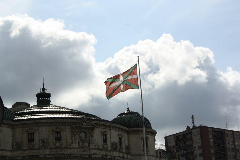 Urlaub im Baskenland, Fahne