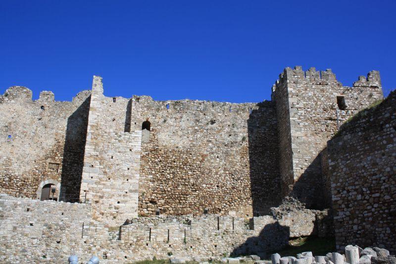 Festung Kastro, Sehenswürdigkeit in Patras mit Kindern