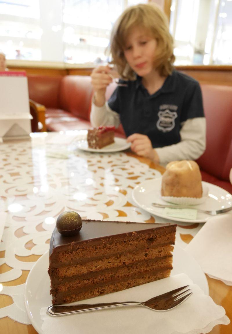 Augsburg mit Kindern, Café Dichtl, Schokotorte