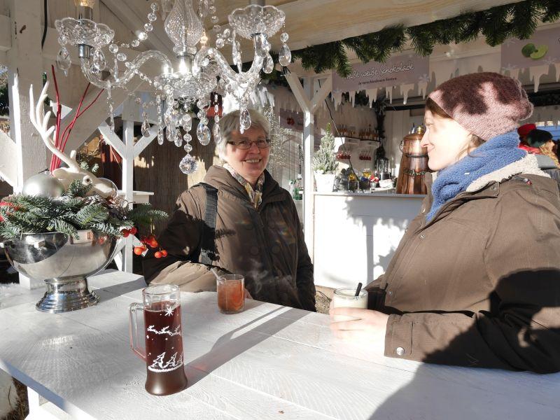 Weihnachtszauber Schloss Bückeburg mit Kindern, Glühweinstand
