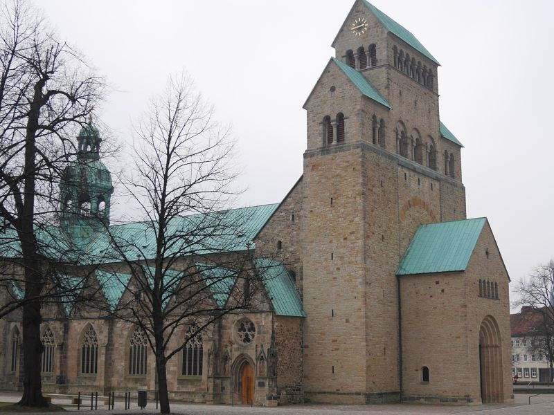 Mariendom Hildesheim von außen