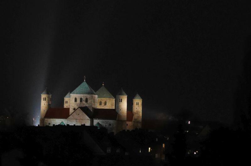 Michaeliskirche Hildesheim bei Nacht