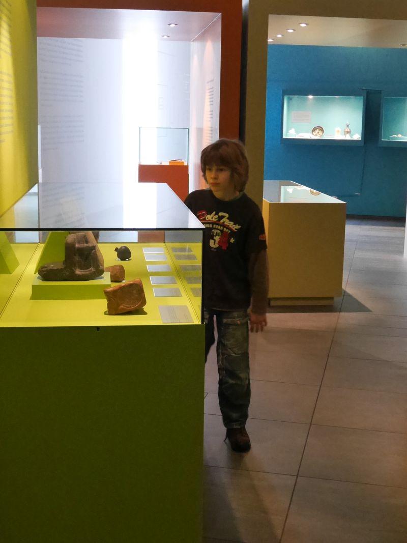 Hildesheim mit Kindern, Roemer- und Pelizaeus-Museum, Dauerausstellung