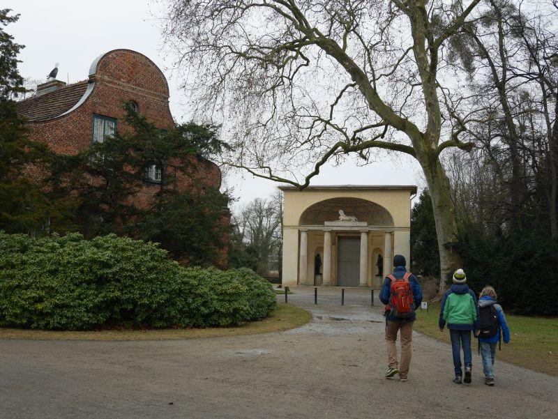 Potsdam mit Kindern, Orangerie mit Sphinx