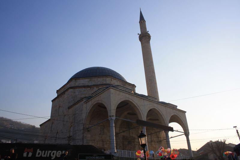 Sinan-Pascha-Moschee, Sehenswürdigkeiten von Prizren
