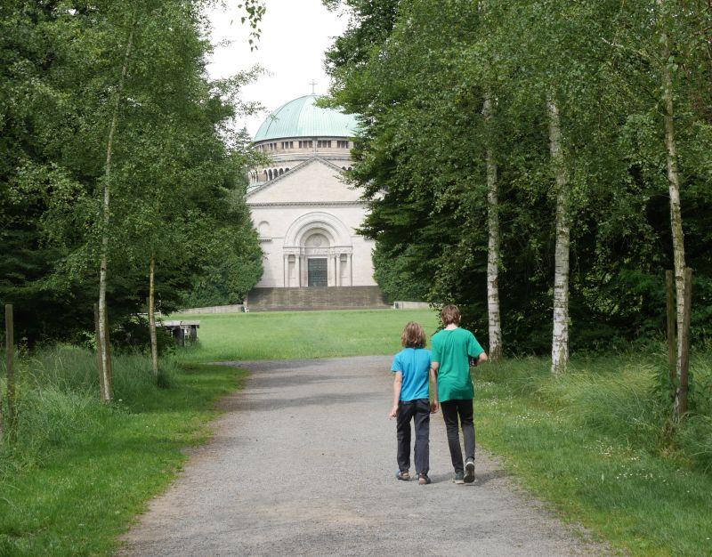 Mausoleum Bückeburg mit Kindern
