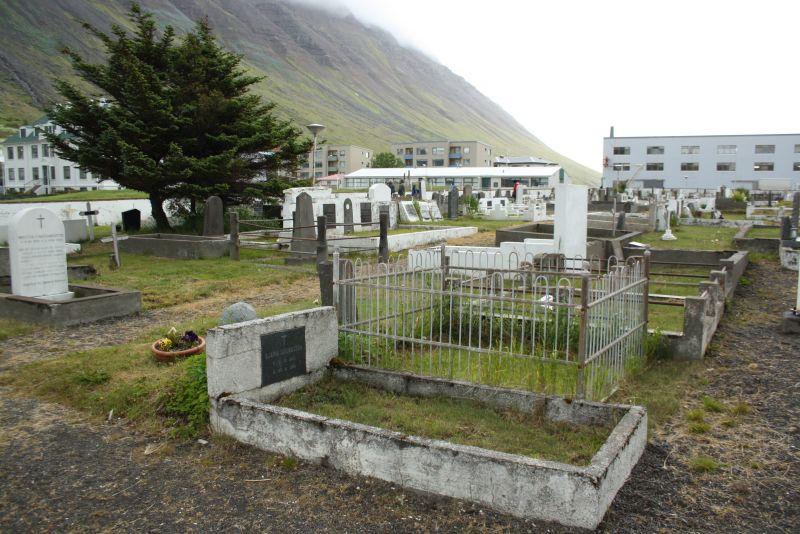 Isafjördur, Island, Friedhof