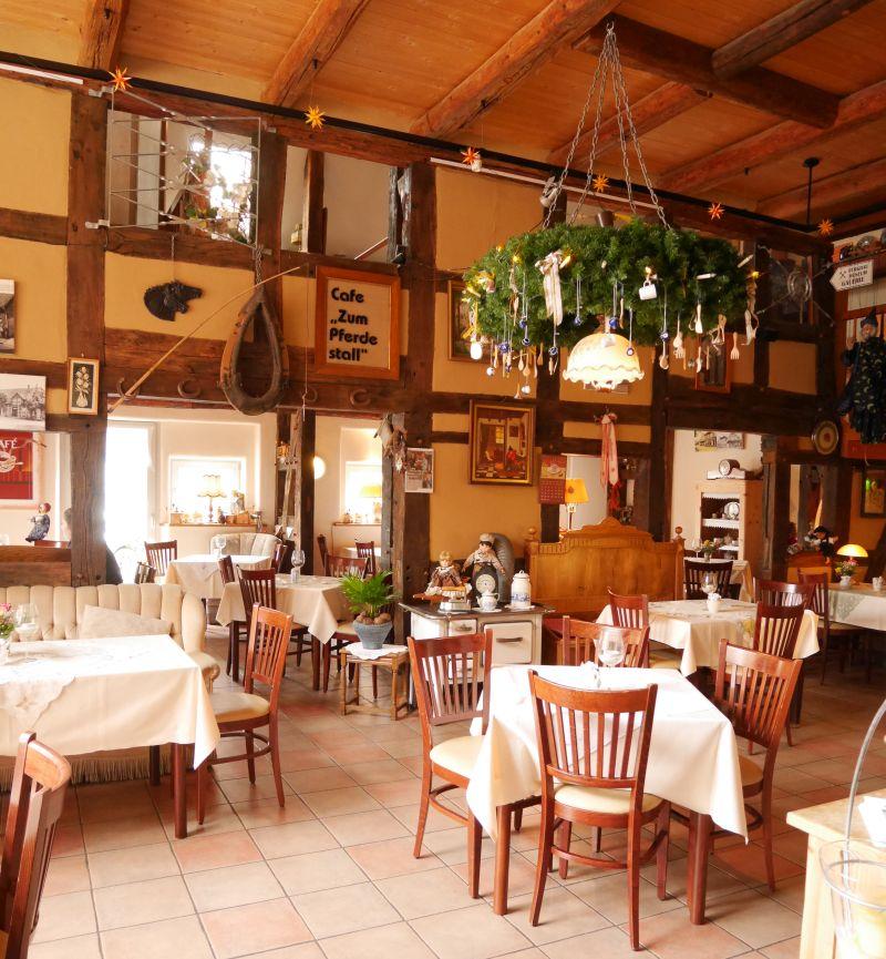 Auch hübsch: Das Café im Pferdestall auf dem Hof Gümmer.