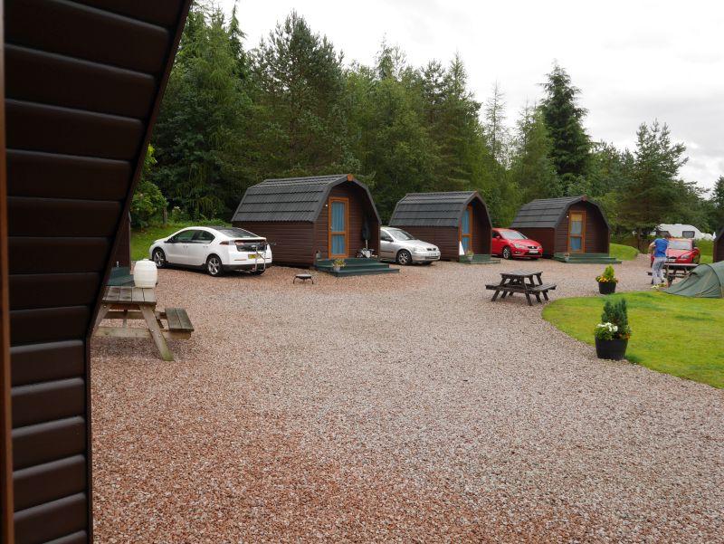 Schottland-Rundreise mit Kindern, Hütte auf dem Campingplatz in Tyndrum