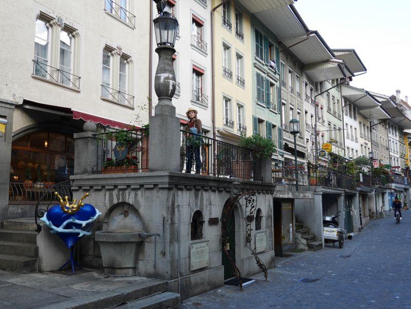Tagesausflug nach Thun mit Kind, Hochtrottoir