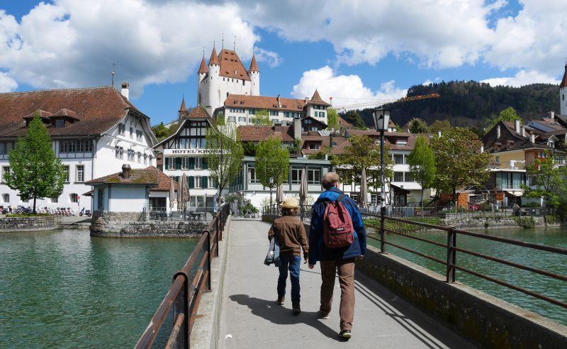Tagesausflug nach Thun mit Kind, Aare und Schloss