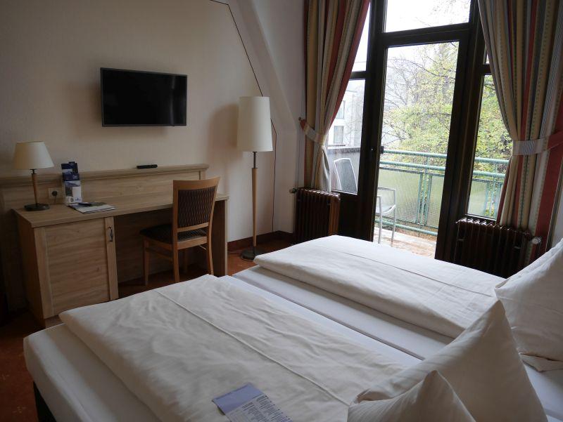 bad reichenhall amber hotel bavaria zimmer. Black Bedroom Furniture Sets. Home Design Ideas