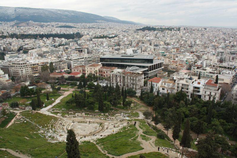Aussicht von der Akropolis aufs Akropolis-Museum