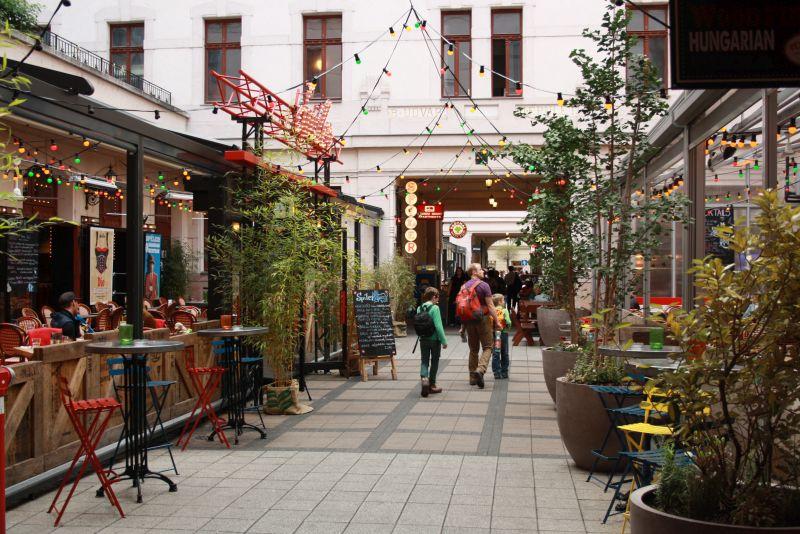 Ungarn, Budapest, Kneipen