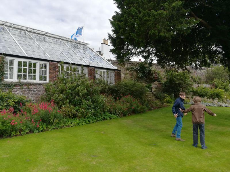 Inveresk Lodge Garden mit Kindern