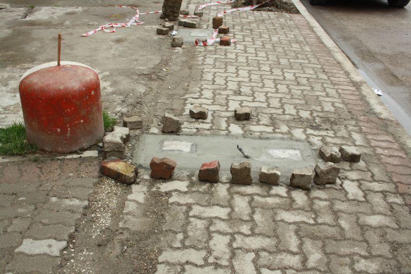 Baustellen-Absicherung auf Albanisch.