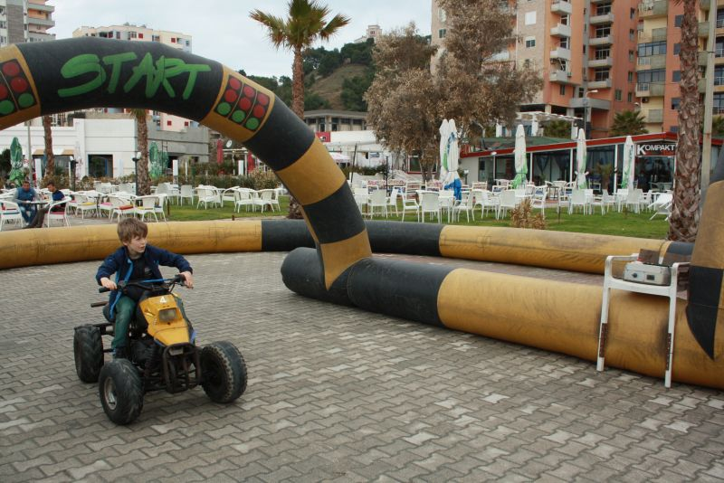 Albanien mit Kindern in Durres