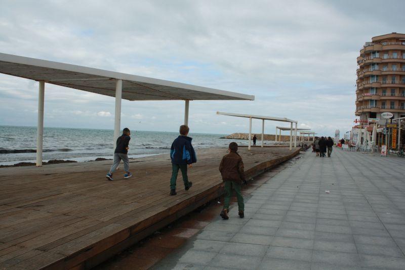 Strandpromenade von Durres, Urlaub in Albanien