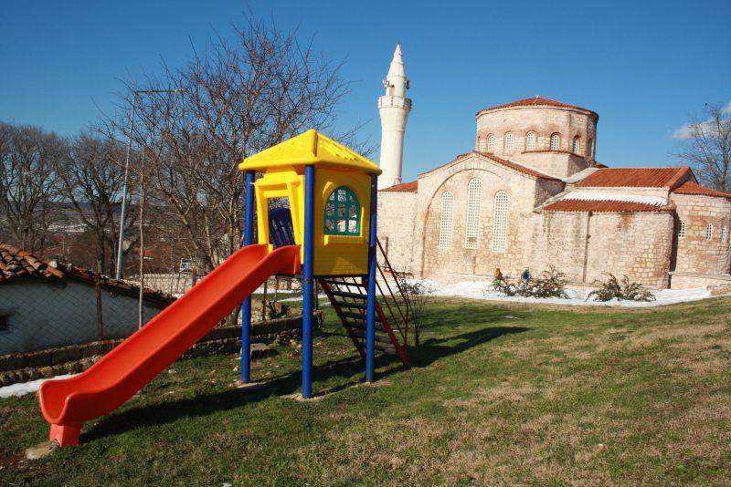 Vize, Türkei: Moschee und Spielplatz