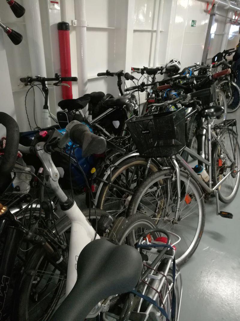 Fahrräder auf der Borkum Fähre