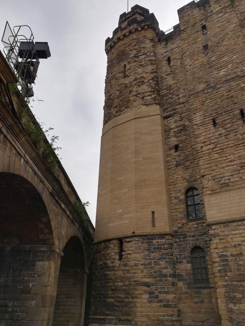 Newcastle Burg, Altstadt, Eisenbahnbrücke