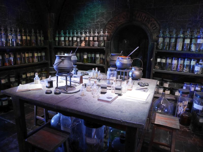 Harry Potter London mit Kindern, Warner Bros Studio Tour, Klassenraum Zaubertränke