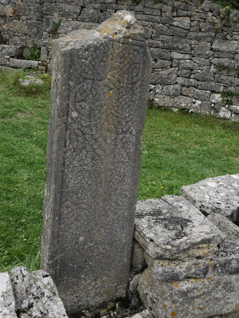 aran islands, inishmore, 7 churches, keltisches kreuz