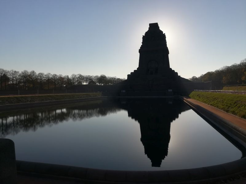 Leipzig mit Kindern Völkerschlachtdenkmal