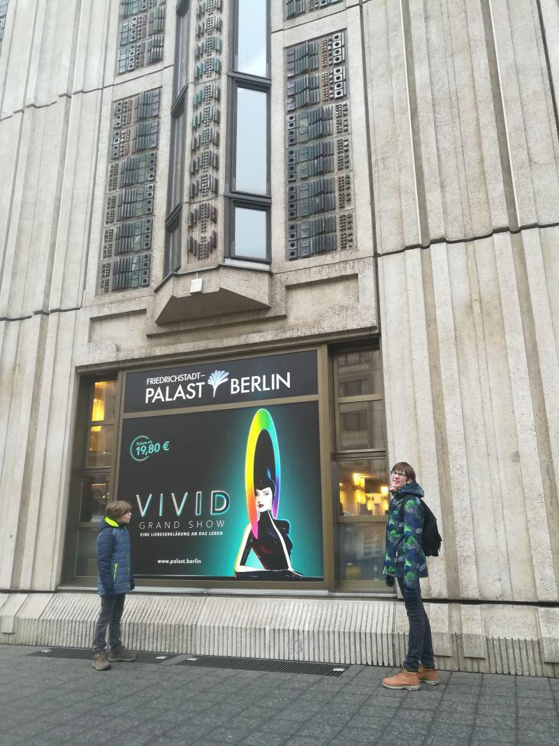 Friedrichstadt-Palast mit Kindern, Berlin VivID
