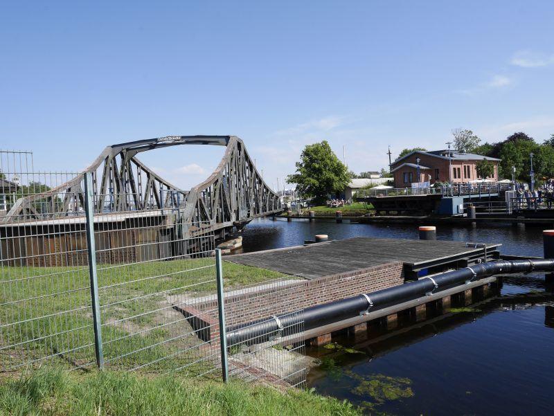 wilhelmshaven deichbrücke offen