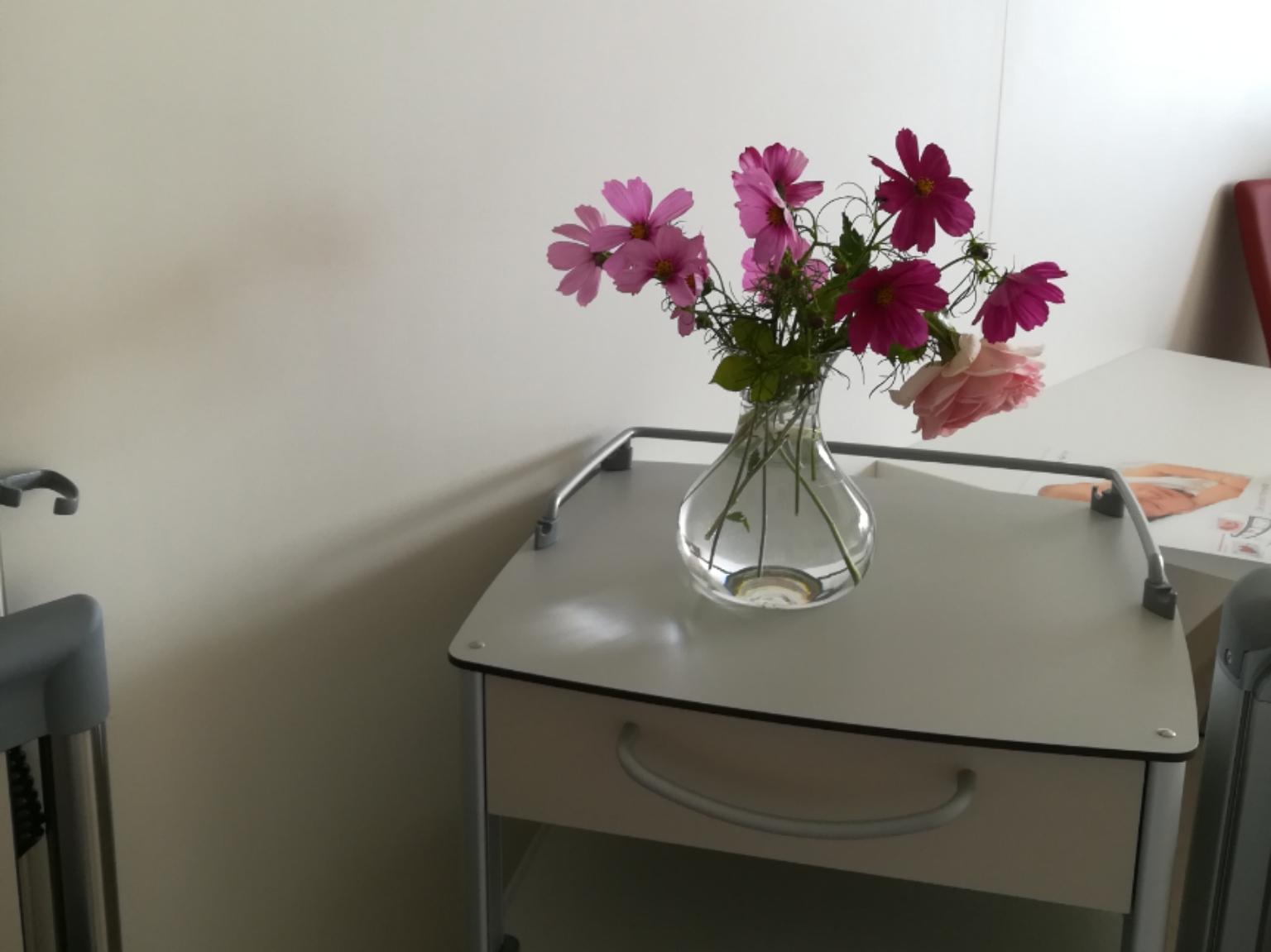 Blumen im Krankenhaus
