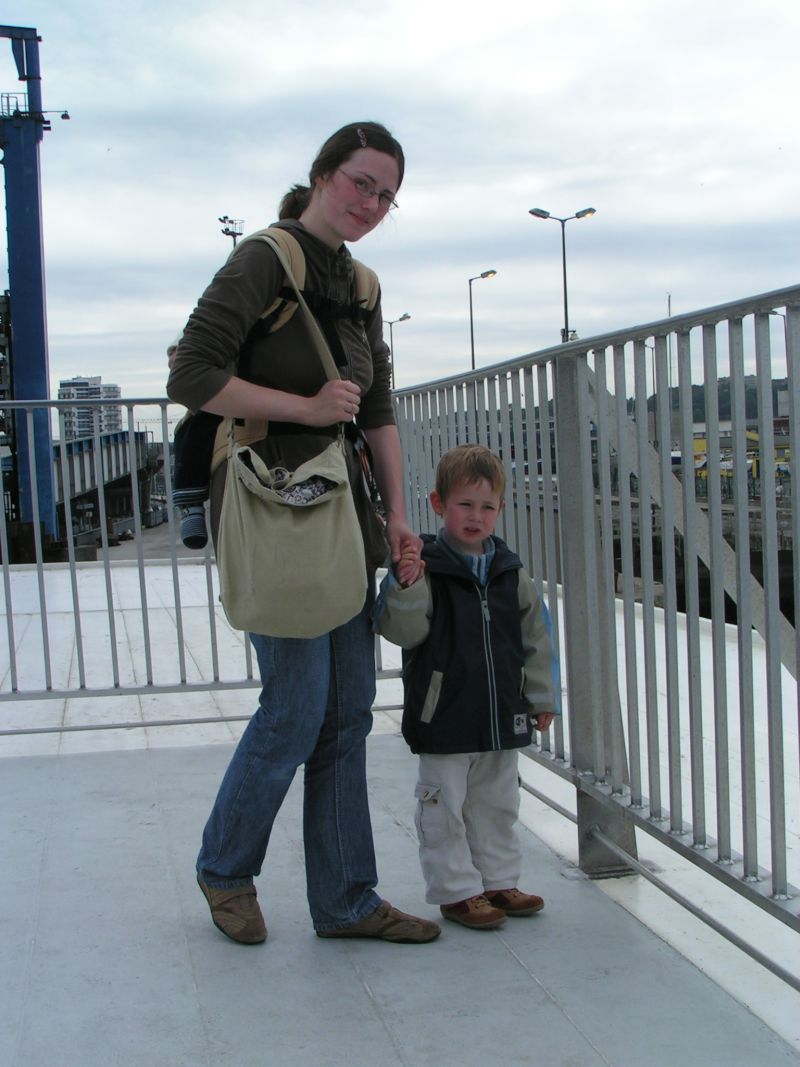 Fähre mit Kleinkind
