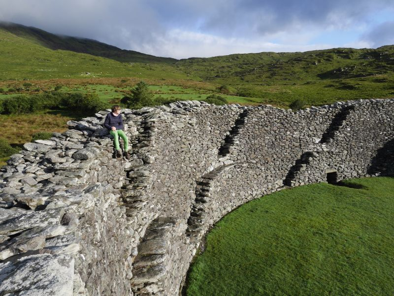 Ring of Kerry mit Kindern Staigue Fort innen