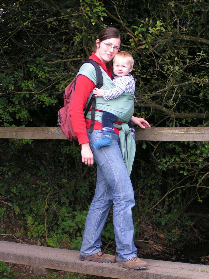Wandern mit Baby im Tragetuch
