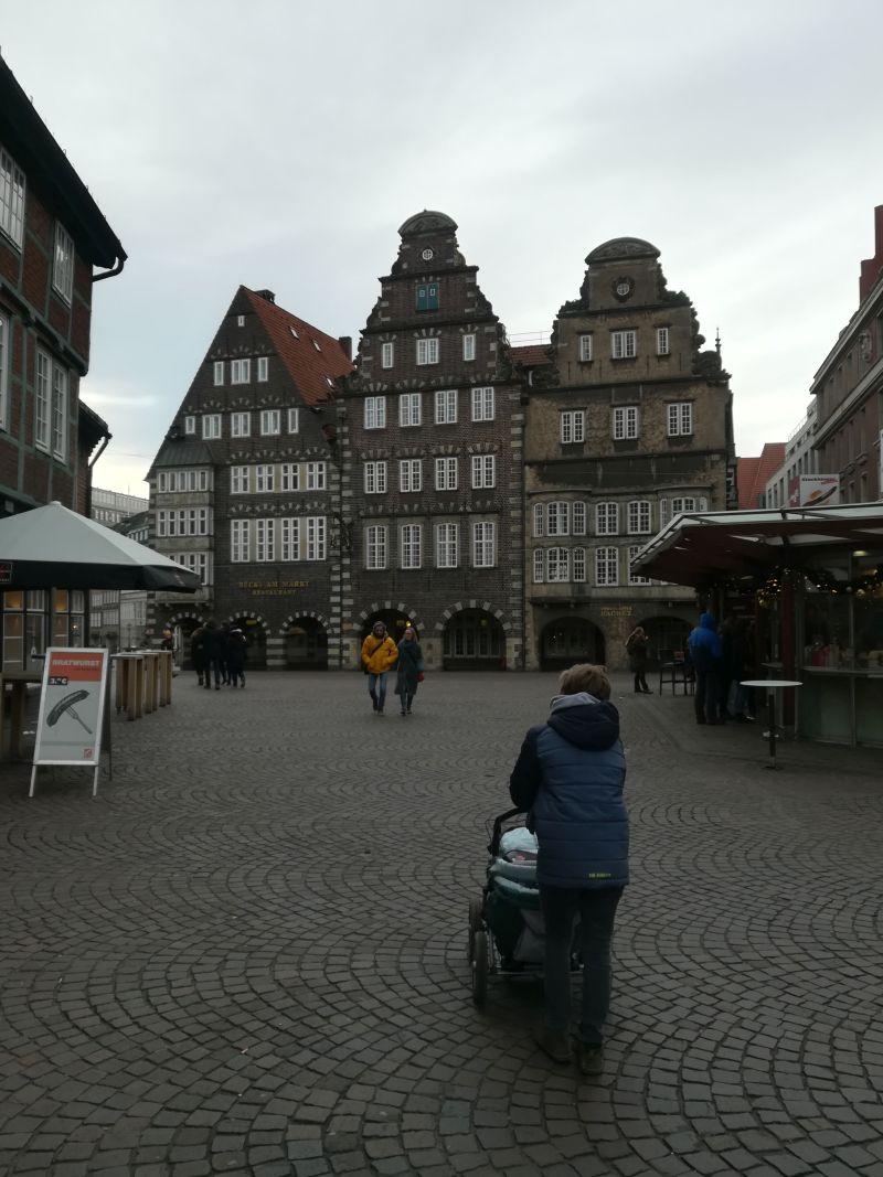 Mit Kinderwagen in Bremen